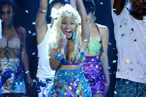 Nicki Minaj performs 'Starships' on American Idol
